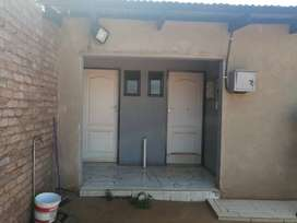 2rooms with 2 showers for sale in Zonke