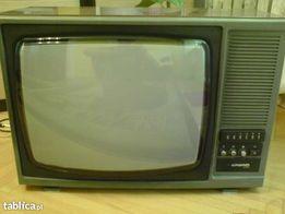 """Telewizor kineskopowy 21"""", kolorowy firmy Gorizont"""
