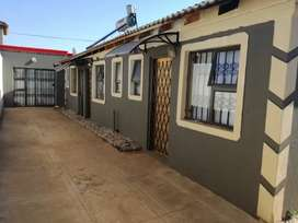 Bachelors rooms to rent at protea glen ext 3,16,20,29