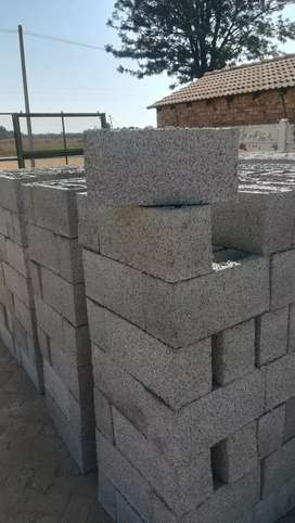 Blocks lanters and piler