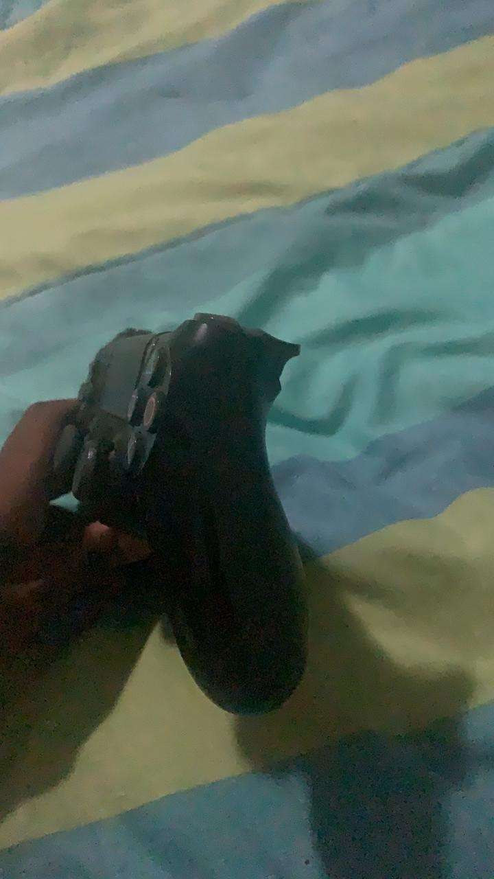 Playstation 4 controller 0