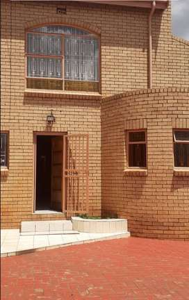 A Big Double storey house in Spruitview.