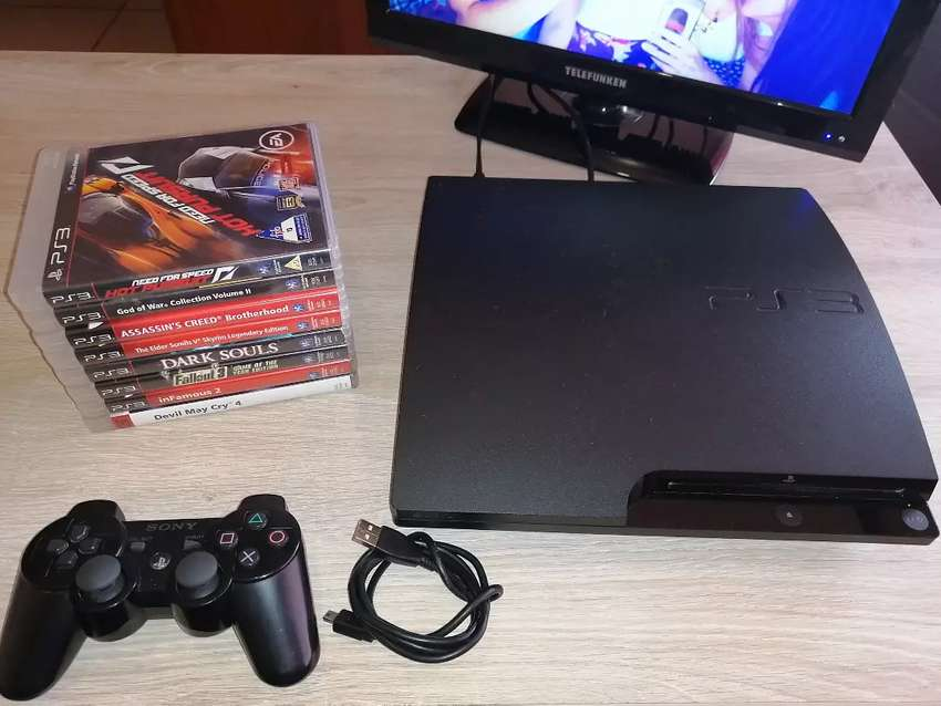 PS3 320GB with 8 Games 0