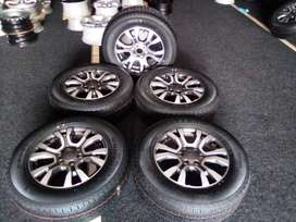 """A set of 5x18""""Ford ranger wildtrack mag rims with brand new tyres R129"""