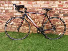 Raleigh revenio 1.0 road bike