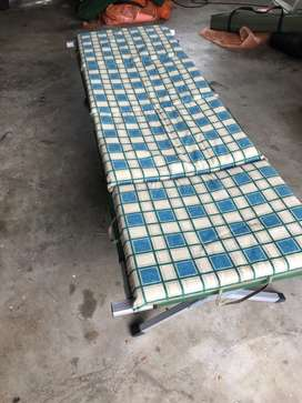 Camping stretcher and mattress