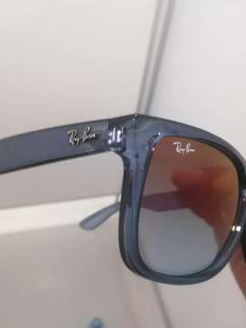Brand new never been worn Justin Ray ban original
