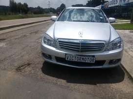2009 mercedes benz c200 Automatic 137 000km