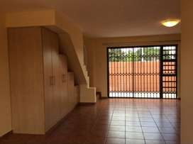 3Bedrm 2bathrm pet friendly townhouse in security complex with garage