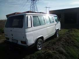Hi i'm selling vw micro bus.start and go