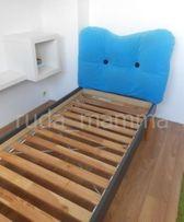 Łóżko IKEA MAMMUT MAMUT z zagłówkiem i stelażem (90x200). Pełen wymiar