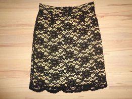 ESSENTIALS śliczna elegancka ołówkowa koronkowa czarna złota spódnica