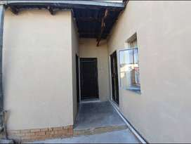 Two room available in Rocklands