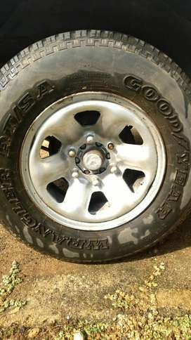 """15"""" 4×4 mags & tires"""