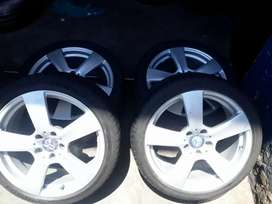 18inch Mercedes mags with tyres for sell
