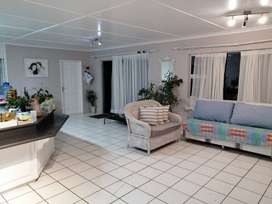 House for Rent in Nahoon:Beach road