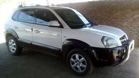 2005  Hyundai Tucson 2.0 CRDI 4WD In A Very Good Condition