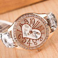Часы наручные с улыбкой