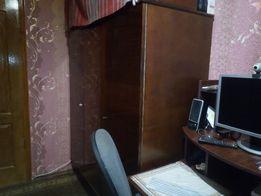 Шкаф одежный 3-х дверный лакированный