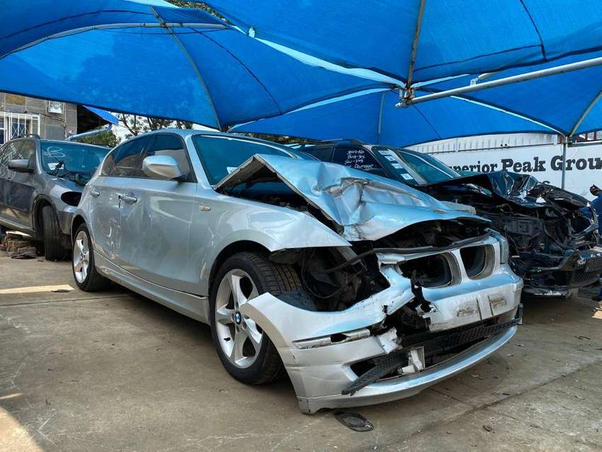 BMW E87 1 series 120i Manual Now for stripping 0