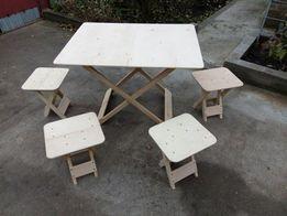 Комплект стол и стулья.