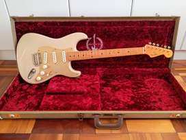 Fender 60th Anniversary Classic Player '50s Stratocaster & Tweed Case