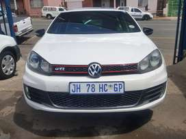 2013 Volkswagen Golf 6 GTI automatic with sunroof and leather seats