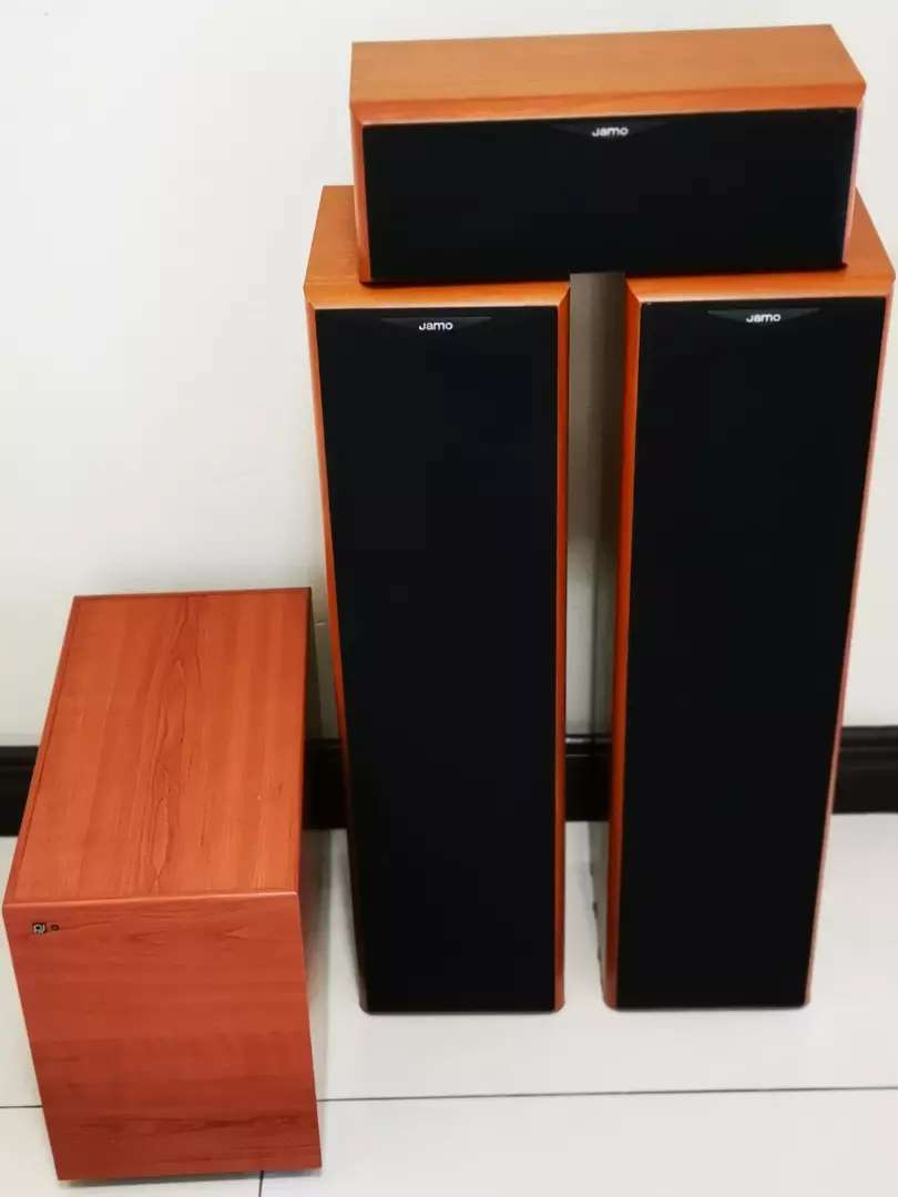 Jamo E350 speakers in great working condition 0