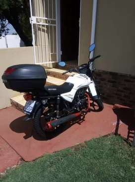Big boy 200cc velocity vstroke like new ,