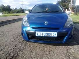 2011 Renault Clio 1.4 spart  83 000km for sale
