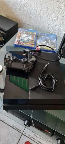 Ps4 500g 1 controller 2 games good condition