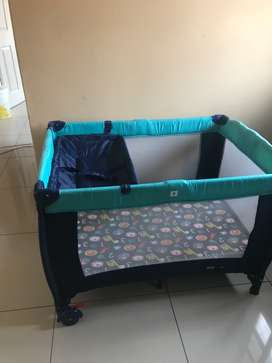 One baby bed and car seat in good condition