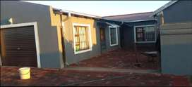 2 bedroom house to share in Leachville Ext 3
