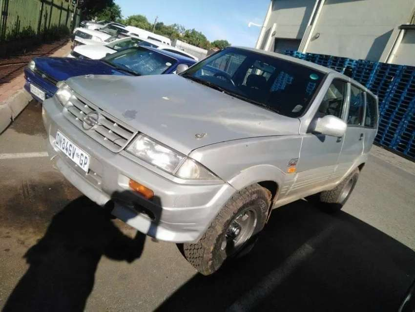 Ssyang yong musso 1997 4.0l v8 lexus 1uz to swop or for sale 0