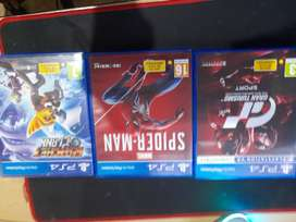Ps4 with 3 games +1 controller