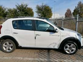 WE ARE SELLING RENAULT SANDAERO STEPWAY