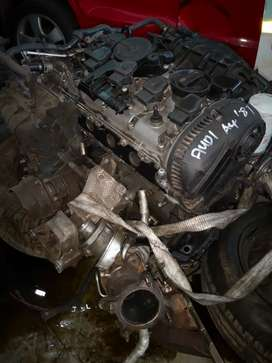 Stripping of Audi A4 B8 1.8T CDH engine for parts