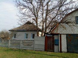Продам дом пгт Любеч Черниговская обл+ земельных участка 5 и 20соток
