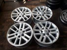 "17"" Twin spoke mags for Toyota hilux"