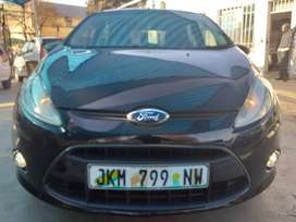Clean 2010 ford fiesta