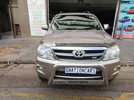 Toyota fortuner 4.0 v6 4x4 petrol manual for SELL