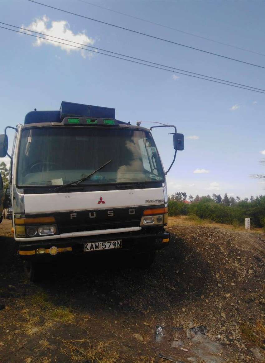 Selling well maintained Mitsubishi Canter 0