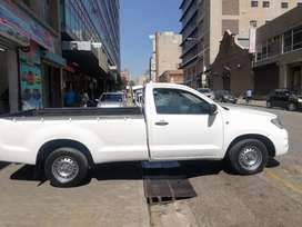 Toyota Hilux 2.0 VVTi 2010 model for SELL