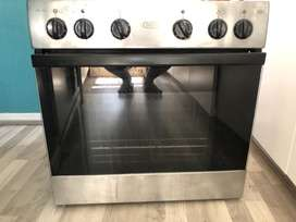 DEFY OVEN IN GOOD CONDITION!!