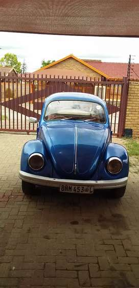 Selling VW beetle , good running with papers