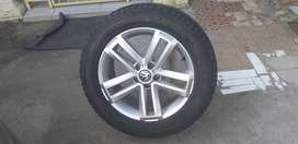 Vw amarok original mags and tyres ×4