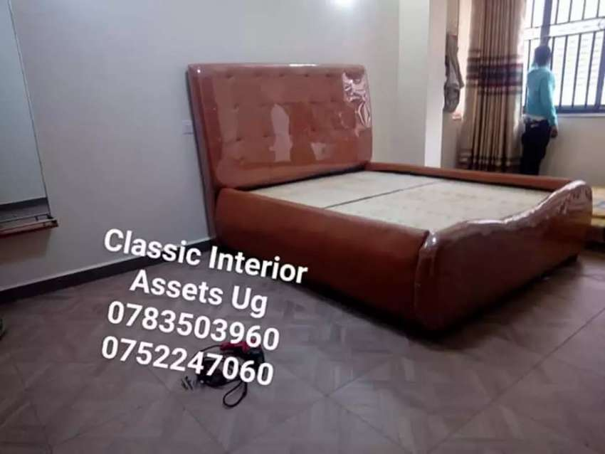 5*6 leather bed 0