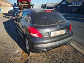 Stripping of Peugeot 207 for parts