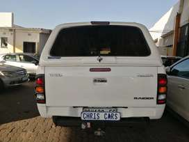 2008 Toyota Hilux 3.0 engine capacity D4D 4x2 double cab with canopy.