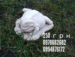 Жаба декоративная скульптура бетон